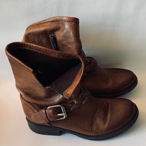 Steve Madden Women's Leather Boots size 8